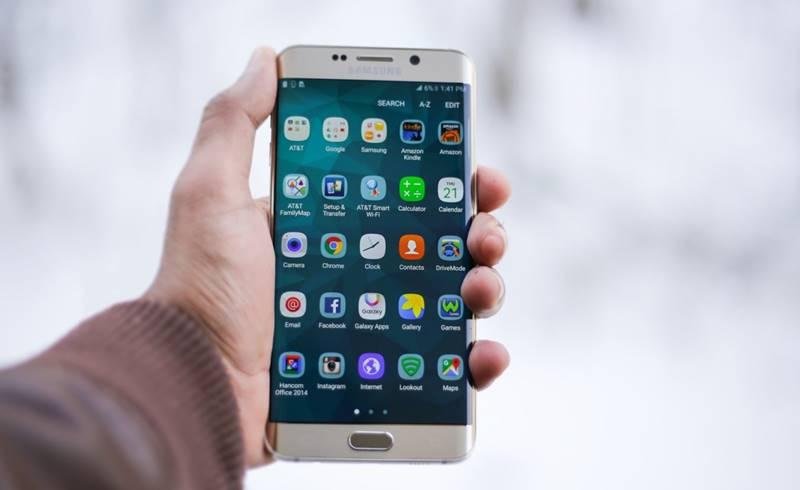 smartphone-1283938_1920-1500×1000