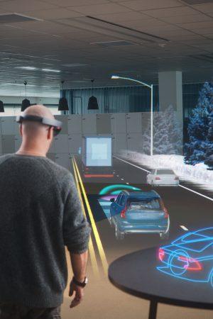 Volvo-Cars-Microsoft-HoloLens-experience_02